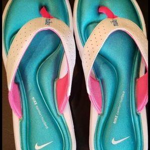 New Nike flip flops